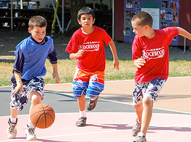 rockwood boys playing basketball